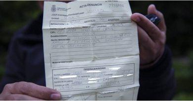 Policía en Valencia Multa a Hondureño que duerme en la calle, por saltarse el confinamiento